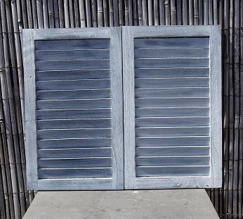 houten-louvre-luik-grijs