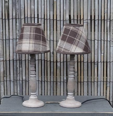lampvoet-hout-kap-geruit-lampenkap