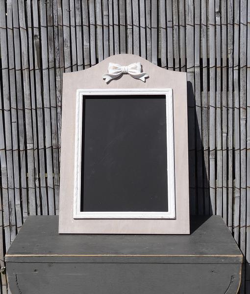 houten-krijtbord-strik-wit-grijs-zwart-krijt
