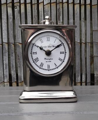 tafel-klok-zilver