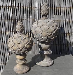 artsjok-op-voet-ornament